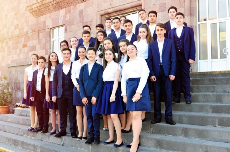 Best schools of Armenia – JOHN KIRAKOSYAN School N 20 in Yerevan